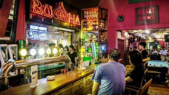 TP.HCM: Quan Buddha Bar duoc do cach ly, phai go bo bang hieu hinh anh 1