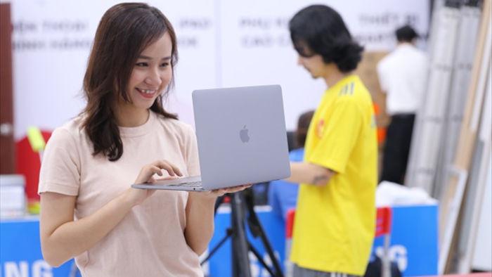 Macbook Pro 2020 đầu tiên về Việt Nam, giá từ 41,9 triệu - 1