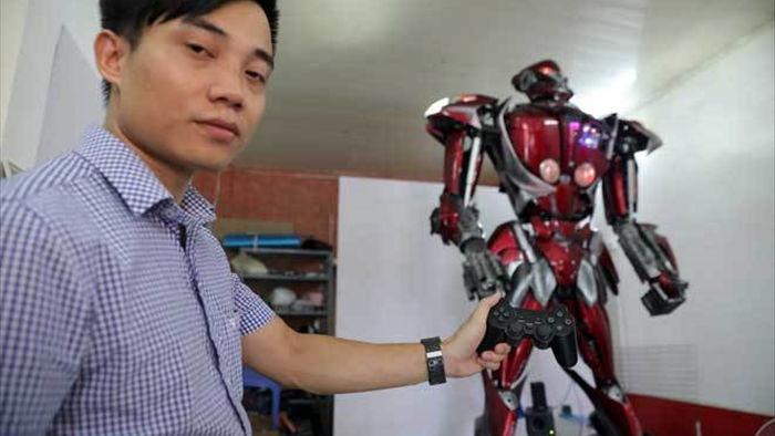 Robot made in Việt Nam ra đời... từ rác