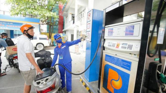 Giá xăng tăng mạnh từ 15 giờ chiều nay