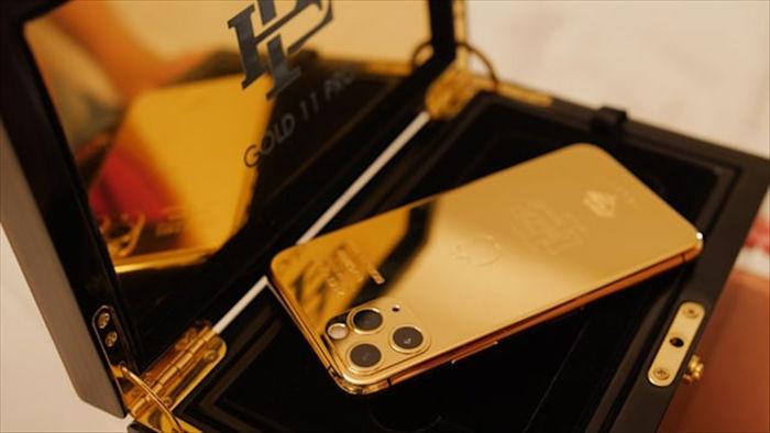 Anh trai Pablo Escobar đang bán những chiếc iPhone 11 Pro tân trang với giá 499 USD