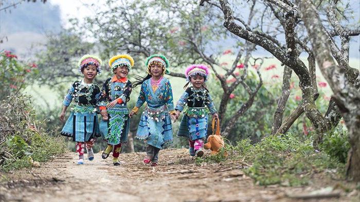 Những bức ảnh kể về niềm vui của trẻ em Việt Nam và trẻ em thế giới - 4