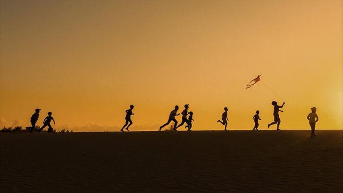 Những bức ảnh kể về niềm vui của trẻ em Việt Nam và trẻ em thế giới - 5