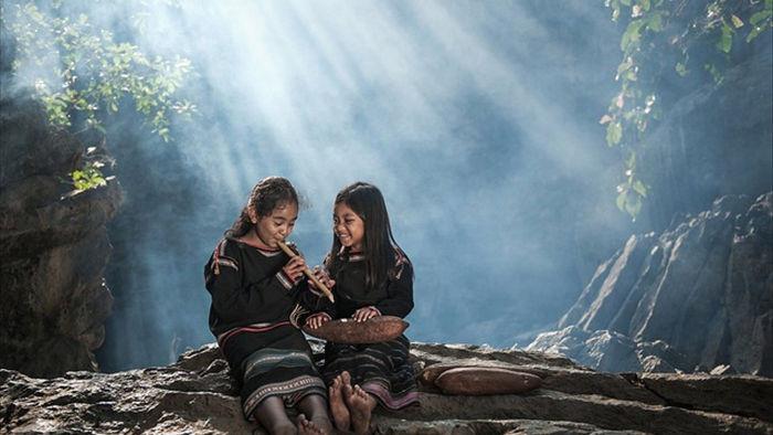 Những bức ảnh kể về niềm vui của trẻ em Việt Nam và trẻ em thế giới - 8