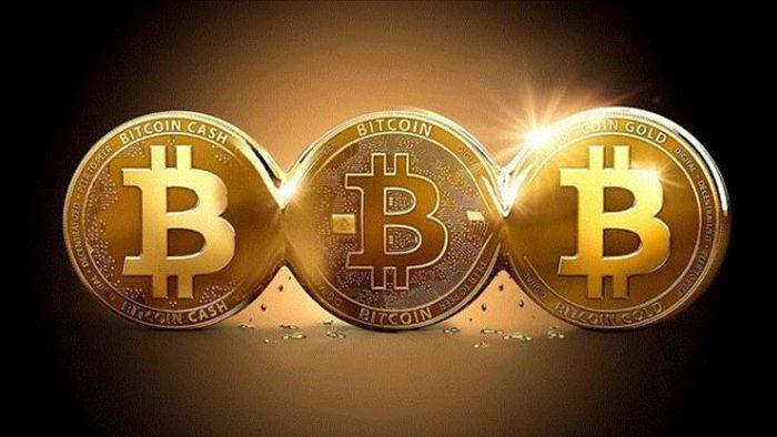 Bitcoin 'bốc đầu' khó tin, vượt 10.000 USD