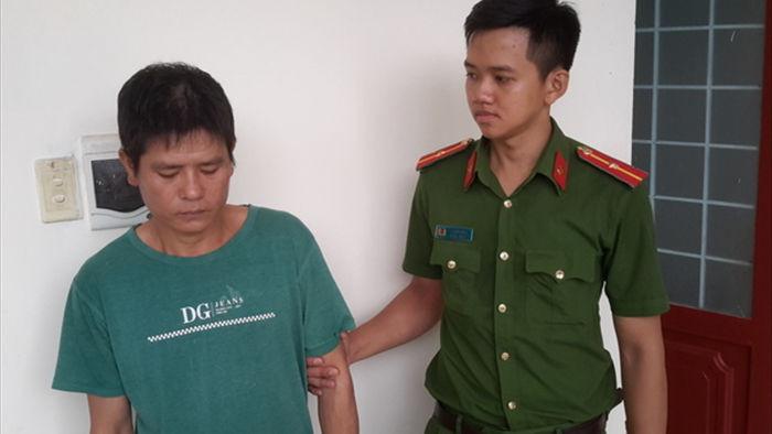 Bắt giam cha dượng bạo hành dã man 3 con riêng của vợ