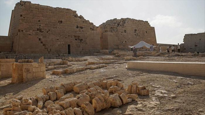 Các nhà khảo cổ tuyên bố có thể đã tìm ra mộ Nữ hoàng Cleopatra huyền thoại - 1