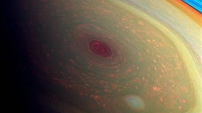 Siêu bão trên sao Thổ có hình lục giác hoàn hảo bất ngờ - 2