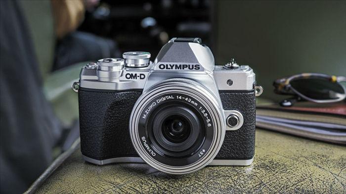 Việc Olympus tháo chạy khỏi thị trường báo hiệu sự cải tổ toàn diện cho cả ngành máy ảnh Nhật Bản