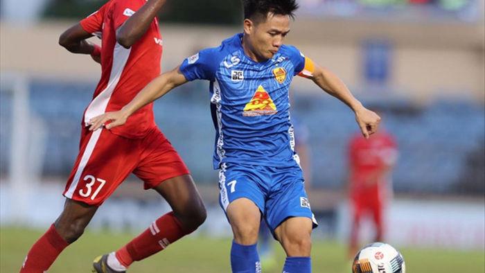Vừa thay tướng, CLB Quảng Nam có chiến thắng gây tranh cãi ở V-League - 1