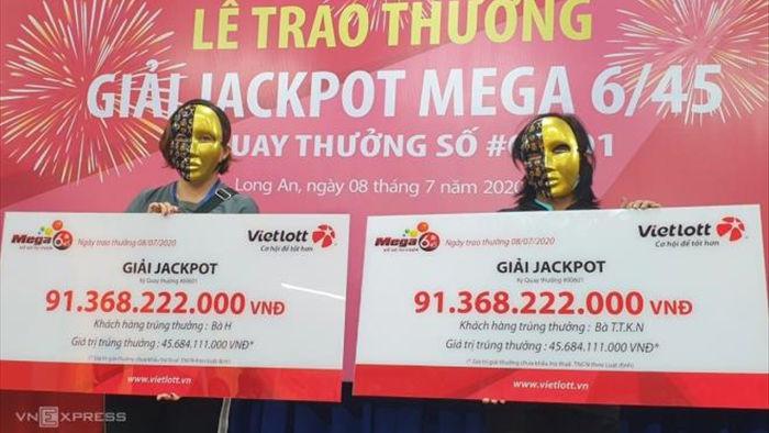 Mua Vietlott cận giờ mở thưởng, 2 người phụ nữ chia nhau giải Jackpot91 tỷ đồng - 1