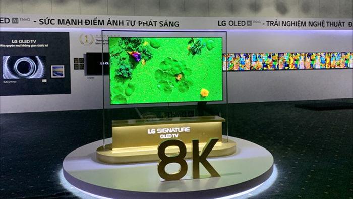 TV OLED 8K đầu tiên trên thế giới về Việt Nam với giá 690 triệu đồng - 1