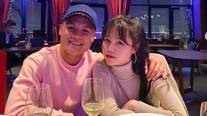 Huỳnh Anh tiếp tục mặn nồng với Quang Hải  - 1