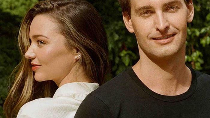 Chồng trẻ tỷ phú của Miranda Kerr tiết lộ quan hệ với con riêng của vợ - 1