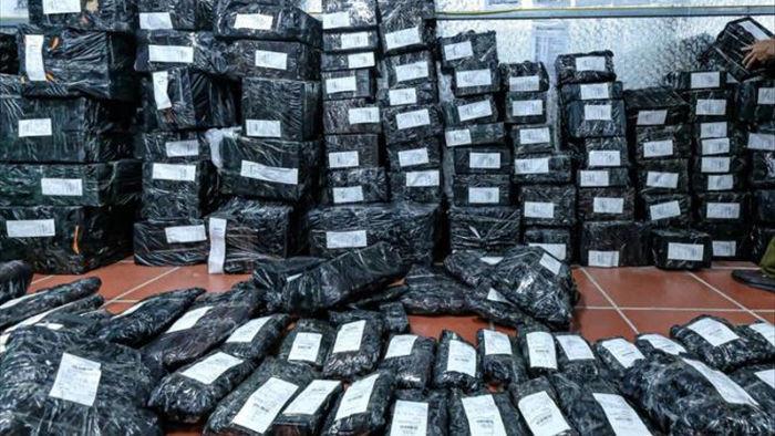 Kho hàng lậu ở Lào Cai 2 năm thu 649 tỷ: 2 đơn vị chuyển phát nhanh cũng vi phạm - 2