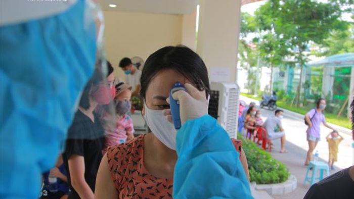 Hà Nội có 8/10 người âm tính SARS-CoV-2, 2 trường hợp chờ kết quả - 1