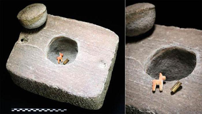 Bất ngờ khi mở nắp quan tài hiến tế vùi dưới đáy hồ 600 năm - Ảnh 4.