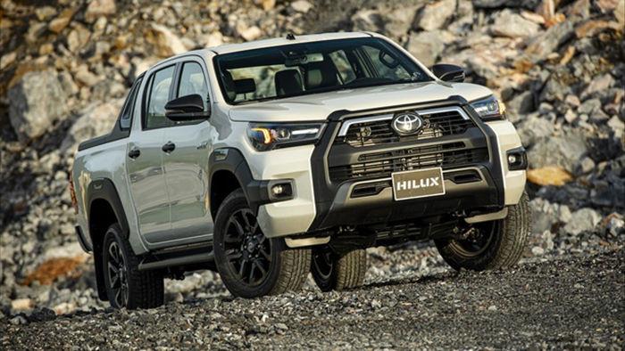 Toyota Hilux 2020 giá từ 628 triệu, thêm công nghệ để cạnh tranh Ranger - 1