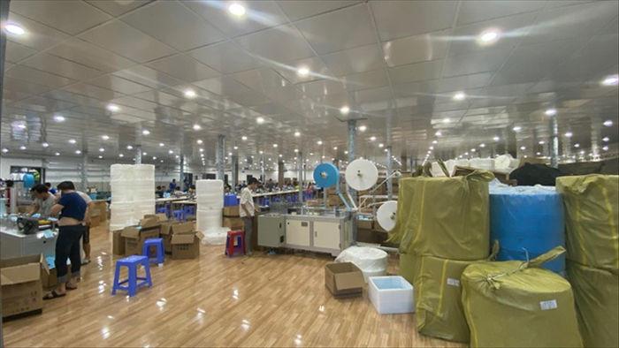 Thợ máy khẩu trang thời dịch hét 300 triệu đồng, nay 10 triệu không ai thuê - 2