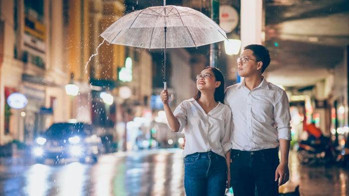 Ngắm Hà Nội lãng mạn trong mưa qua bộ ảnh của cặp đôi trẻ - 6