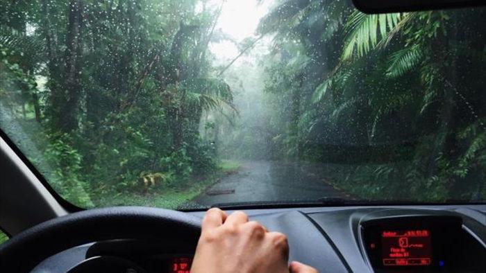 Mẹo hay giúp bảo vệ xế cưng trong mùa mưa gió - 2