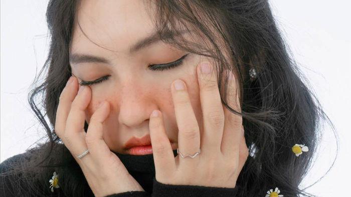 Con gái lai xinh xắn của Đoan Trang và chồng Thụy Điển