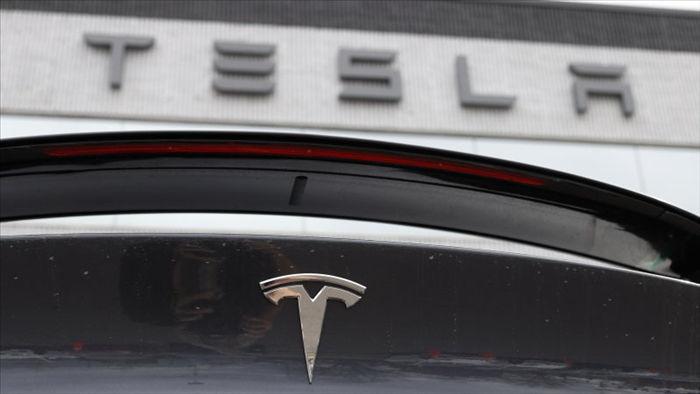 Giá cổ phiếu tăng kỷ lục, Tesla biến nhiều nhà đầu tư thành triệu phú - 1
