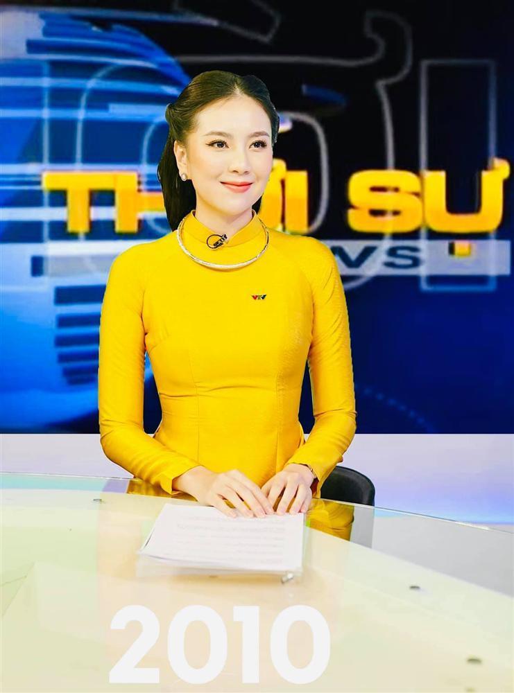 Mai Ngọc gợi nhớ lại huyền thoại Kim Tiến khi tái hiện hình ảnh MC VTV trong 50 năm qua-4