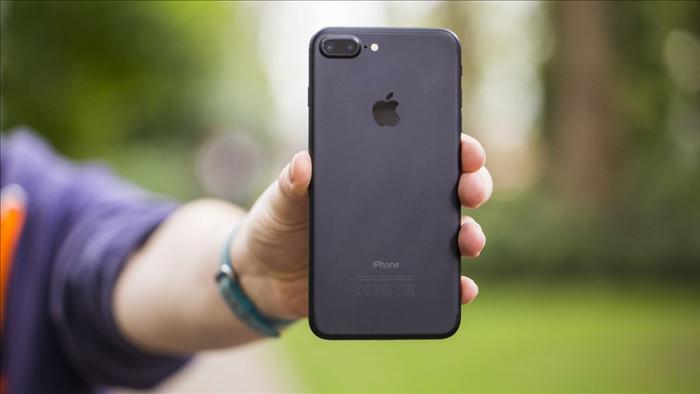 Chiếc smartphone 4 năm tuổi vẫn bán chạy hơn iPhone 11 Pro Max - 1