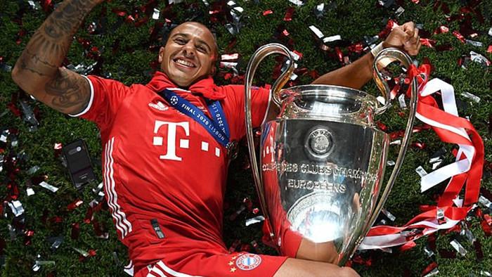 Bayern Munich tố cáo bị Man Utd, Liverpool chơi xấu ở thương vụ Thiago - 1