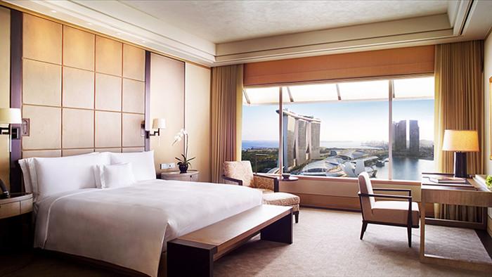 Bắt buộc vào ở khách sạn 5 sao 99 triệu/đêm: Đời như trúng số