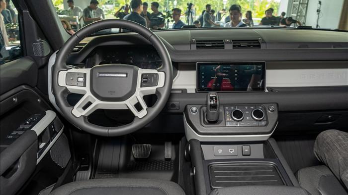 Land Rover Defender giá từ 3,85 tỷ - SUV cho đại gia Việt thích khám phá - 11
