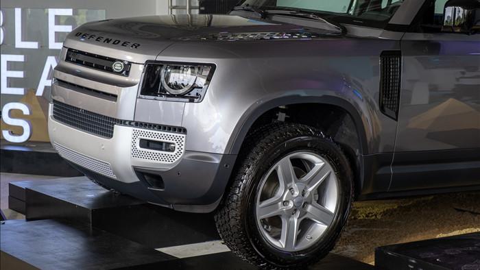 Land Rover Defender giá từ 3,85 tỷ - SUV cho đại gia Việt thích khám phá - 4