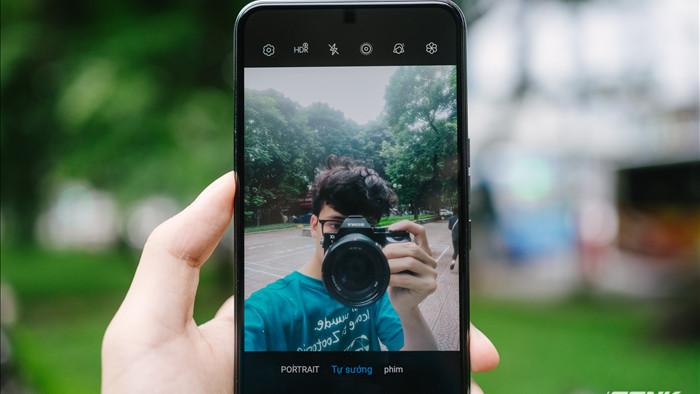 Trên tay smartphone có camera ẩn dưới màn hình đầu tiên trên thế giới: Chất lượng không như kỳ vọng - Ảnh 13.