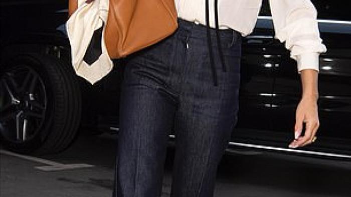 Bà xã David Beckham sở hữu nhan sắc và vẻ ngoài trẻ trung ở tuổi 46.