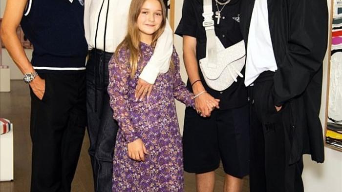 Các thành viên trong gia đình Vic - Beck đều ăn vận hợp thời trang.