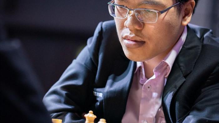 Lê Quang Liêm tiếp tục gây sốc khi đánh bại kỳ thủ số 2 thế giới - 1