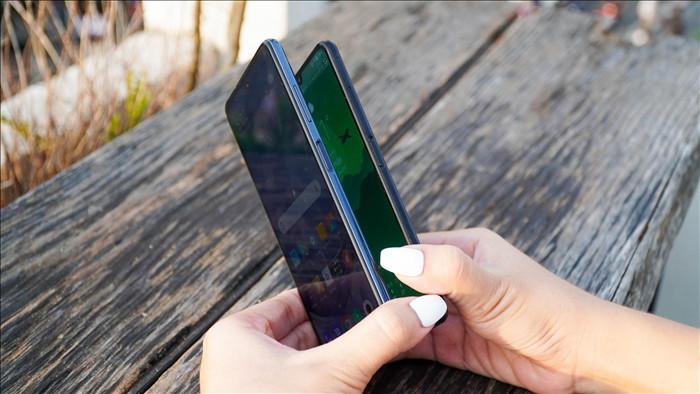 Poco X3 NFC đọ dáng Vsmart Aris: 7 triệu chọn smartphone nào? - 4