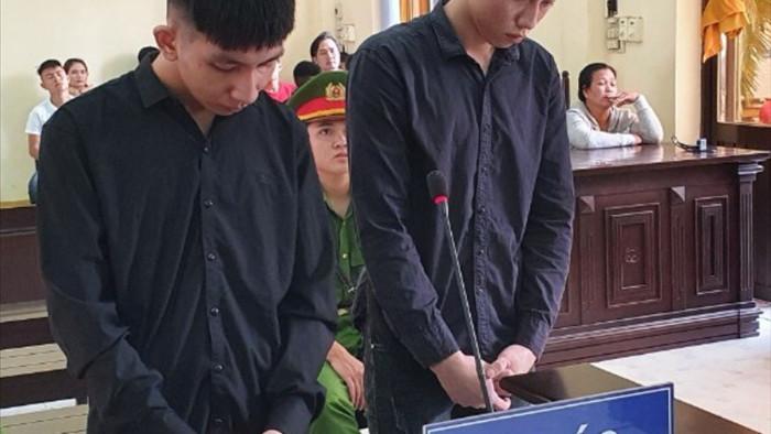 Hai thanh niên đi cổ vũ đua xe nhận 25 năm tù vì tội giết người - 1