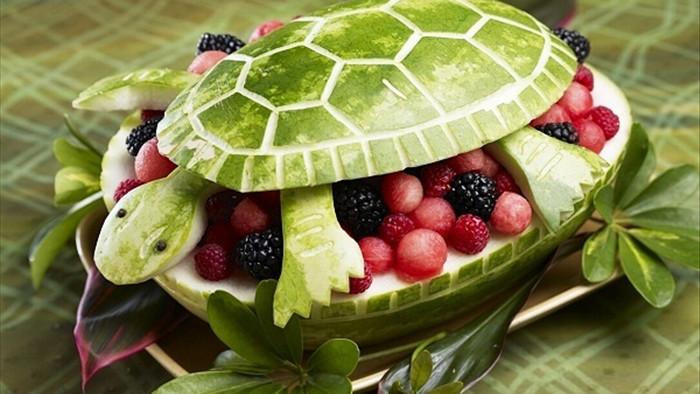 cách làm con vật bằng hoa quả