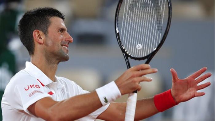 Roland Garros 2020: Djokovic khởi động nhanh, Medvedev thua sốc - 2