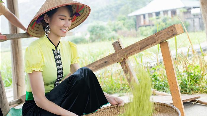 Hoa hậu Du lịch Châu Á mê đắm vẻ đẹp mùa thu Tú Lệ, Mù Cang Chải - 8