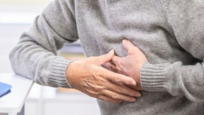 Bố lên cơn đau tim suýt chết vì… giảng bài cho con - 1