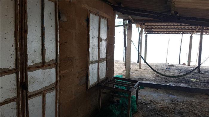 Bờ biển sạt lở nặng sau cơn bão số 5 - 12