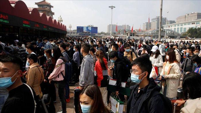 Người Trung Quốc ùn ùn đổ đi du lịch sau cách ly, khắp nơi đều quá tải - 3