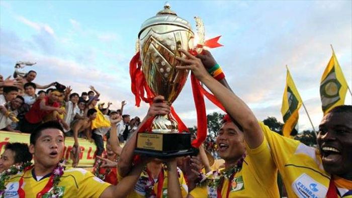 Lứa trẻ liên tiếp vô địch, bóng đá Nghệ An nghèo vẫn hoàn nghèo - 1