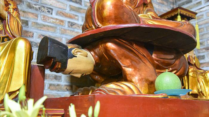 Kỳ lạ bức tượng Phật ngồi trên lưng vua độc nhất vô nhị ở Việt Nam - 3
