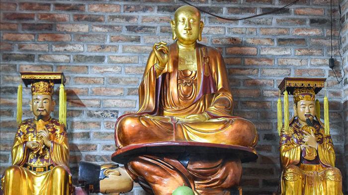 Kỳ lạ bức tượng Phật ngồi trên lưng vua độc nhất vô nhị ở Việt Nam - 4