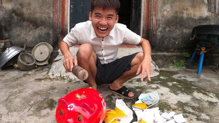 Gia dinh ba Tan kiem tien tu YouTube anh 4