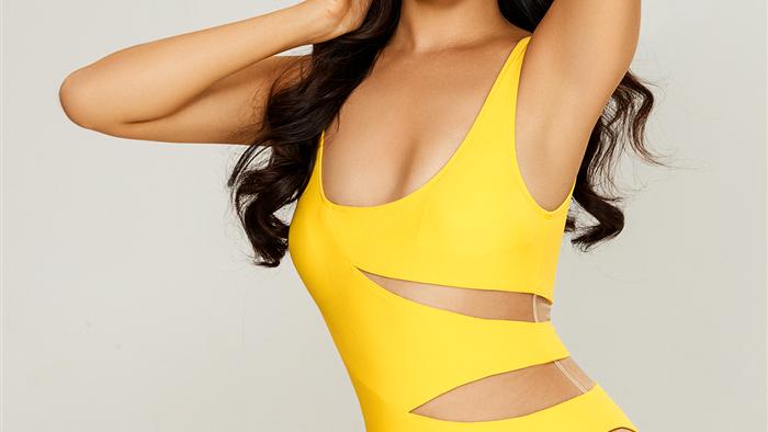 Thái Thị Hoa khoe dáng với bikini trước thềm Hoa hậu Trái Đất 2020 - 6